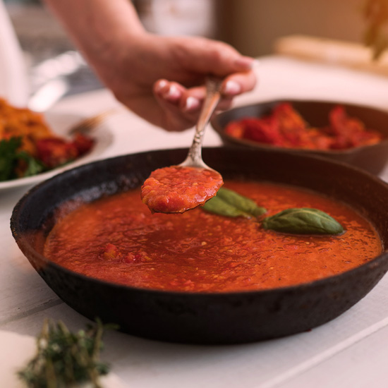 DIY tomato sauce!